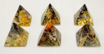 Small Dartmoor Pyramids (5 x 5cm)