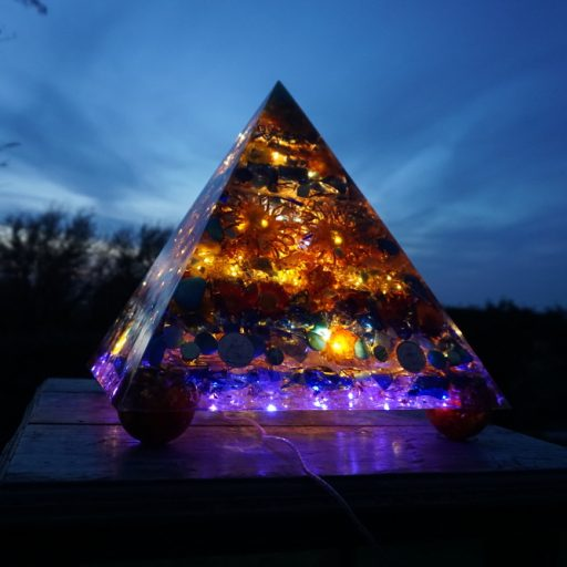 cropped-large-garden-pyramid.jpg