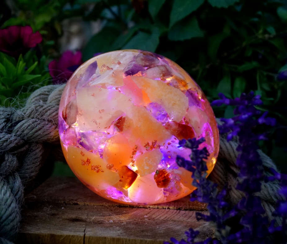 glowing crystal sculptures by annett banx